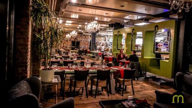 Meziz Landelijk ruime restaurant met houtoven