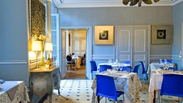 Le Petit Manoir Salle du restaurant Le Petit Manoir