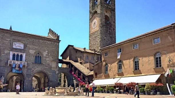 Colleoni dell'Angelo Restaurant Piazza Vecchia