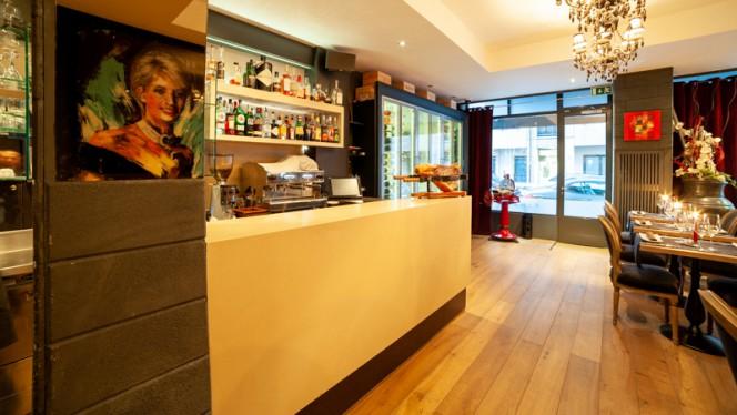 Bar - Dario's, Genève
