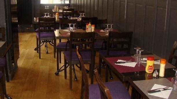 Le Bel Vil Café Vue de la salle