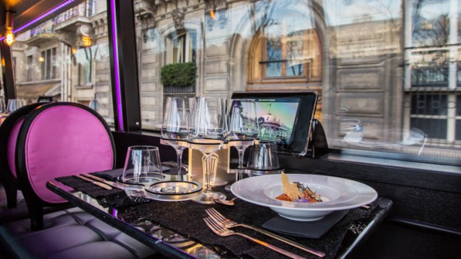Intérieur - Bus Toqué, Paris