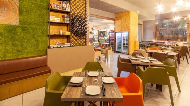 Cosmopolitan Lounge Bar&Bistrot (Volla) Vista sala