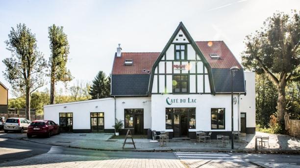 Café du Lac Devanture