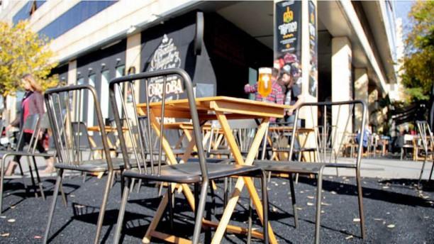 Cervezas Califa Brewery Vial Terraza