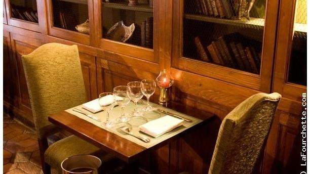 Le coupe chou in paris restaurant reviews menu and for Table cuisine 8 personnes
