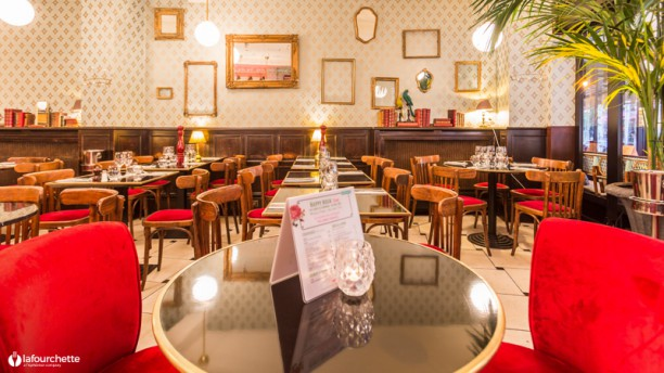 Restaurant colonel moustache paris 75007 invalides for Resto lasalle