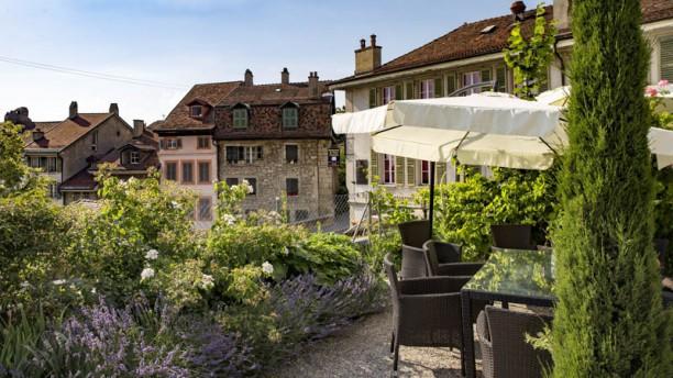 Le Vieux Lausanne et bar Giraf Terrasse