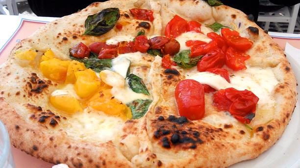 Eccellenze Campane (Via Partenope) Pizze ai 4 pomodori