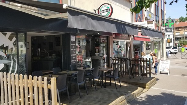 AU 4 Bar Brasserie Terrasse