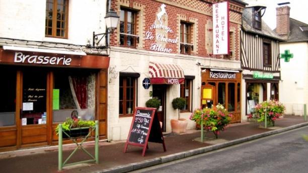 Auberge Le Cheval Blanc Façade