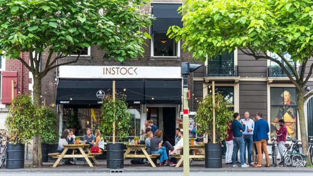 Instock Den Haag Ons terras leent zich perfect voor een kop koffie of een Pieper Biertje!