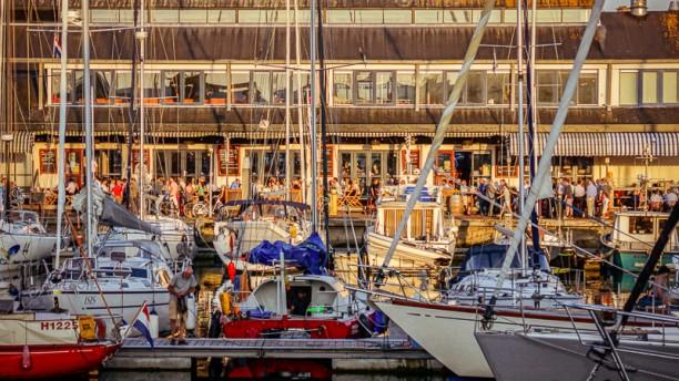 Rootz at the Harbour Havenaanzicht