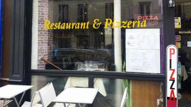 Giovanni Pizza Pasta Entrée