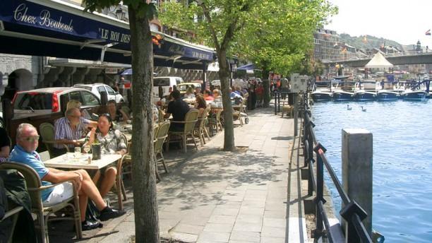 Chez Bouboule Terrasse bord de Meuse