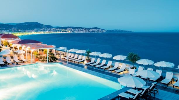 La terrasse restaurant 1 promenade anglais 06000 nice for Nice hotel avec piscine