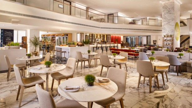 MAYO - Hyatt Regency Paris Etoile Vue de la salle