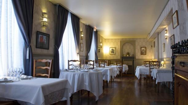 LA BANNIERE DE FRANCE Salle du restaurant