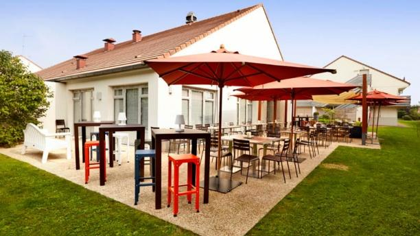 Campanile Villennes-sur-Seine - Poissy La terrasse