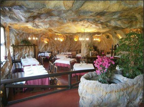 La Cueva La Cueva