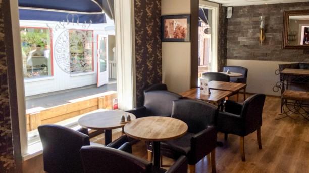 Cafe Myntet dining room