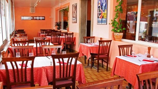 Café de la Place Vue de la salle