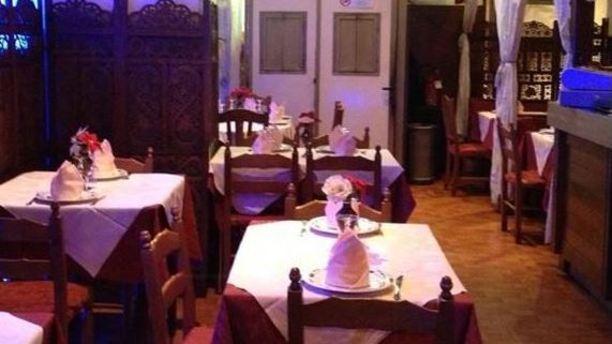 Krishna Ristorante Indiano sala ristorante.JPG