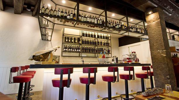 1811 Bistro Bar