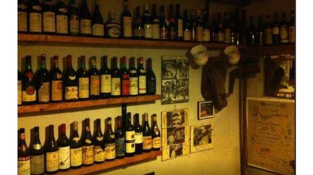 Locanda la Casa dello Spiedo Vasta scelta di vini