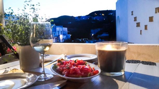 GustEau-Piccolo Hotel Luisa Mangiare in terraza