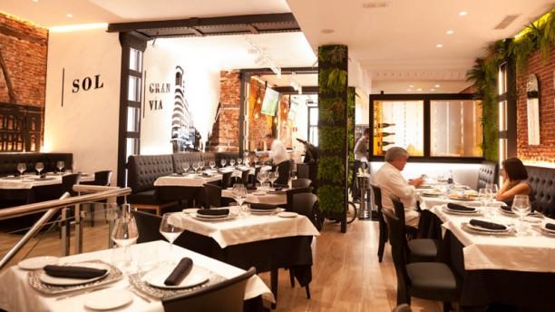 Madrid Grill Vista de la sala