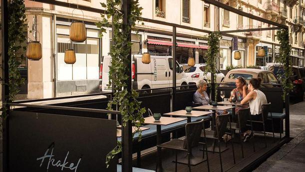 Arakel Wine Bar In Genève Restaurant Reviews Menu And