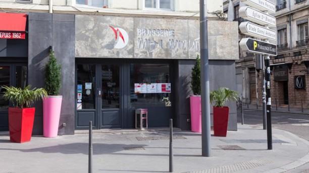 Brasserie Midi Minuit Façade