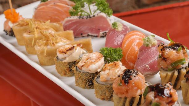 Manekineko - Humaitá rw MIX 15 PEÇAS Sashimis e Sushi