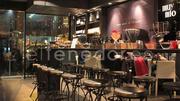 Muy Mío Café Santaló Barra con espejo