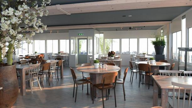 Strandpaviljoen Vijftien Restaurant