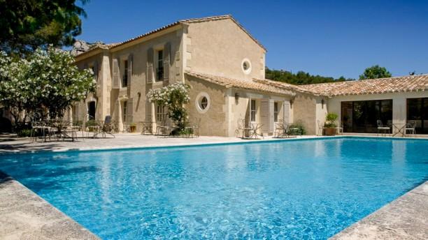 Benvengudo La Bastide et sa piscine