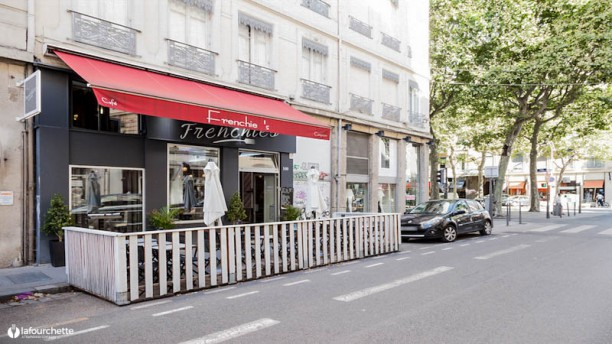 Le Frenchie's Terrasse
