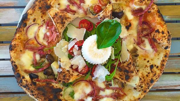 Pizzeria Napolitana del Club Familiar Barco Pirata in Castelldefels ...