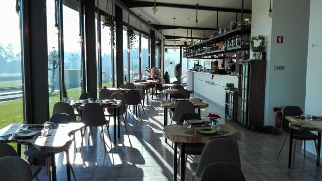 1000 Fronteiras ristorante portoghese a Touguinha in Portogallo