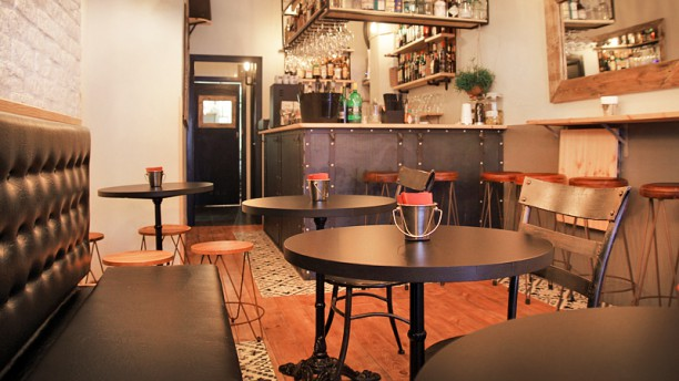 Ventuno bar in barcelona restaurant reviews menu and for T s dining and lounge virden menu