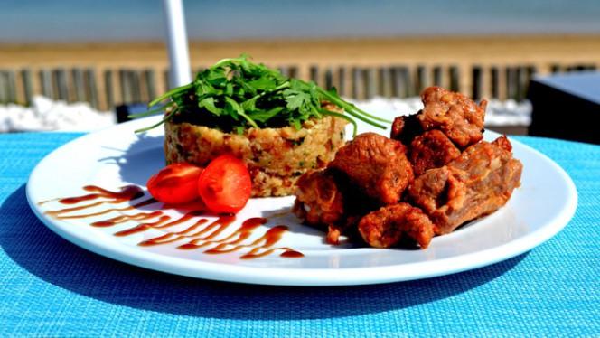 Elementos ristorante internazionale a Faro in Portogallo