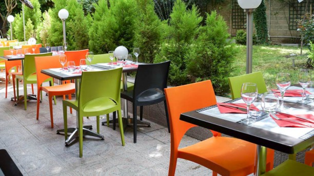 Le jardin d 39 erevan in alfortville restaurant reviews for Restaurant le jardin domont 95