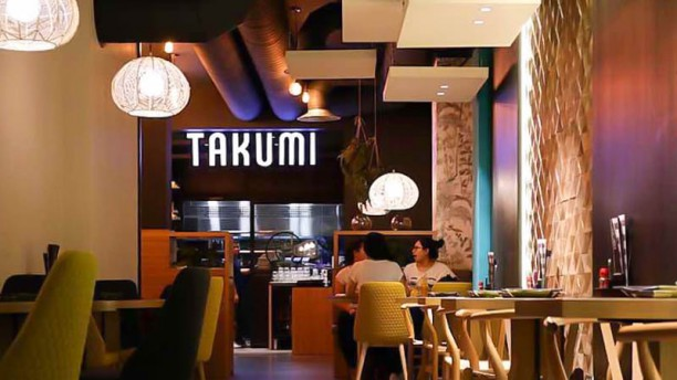 Awesome Restaurante Takumi En Barcelona Eixample Enric Granados Home Interior And Landscaping Pimpapssignezvosmurscom