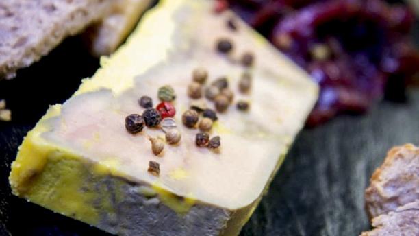 L'aQuarium Foie gras maison (Pain toasté aux noix)