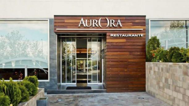 Aurora La entrada