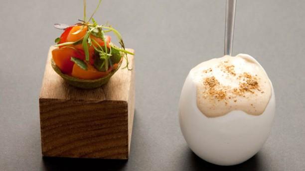Eneko Tomato and fungus omelette
