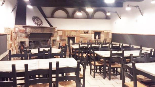 Taverna Santissimi Sala con Camino