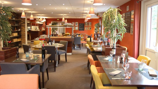 best western the hotel versailles h tel avenue morane saulnier 78530 buc adresse horaire. Black Bedroom Furniture Sets. Home Design Ideas