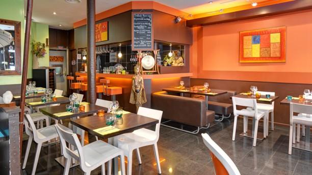 Restaurant aux couleurs du monde paris 75017 for Couleur maison interieur tendance